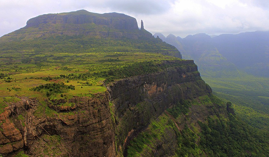 Trek to Naneghat and Jivdhan 19 -20 May'18