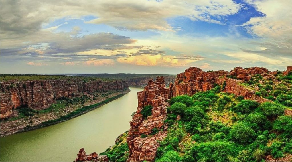 Backpaking tour to Gandikota & Belum Caves 23 – 25 Nov'18